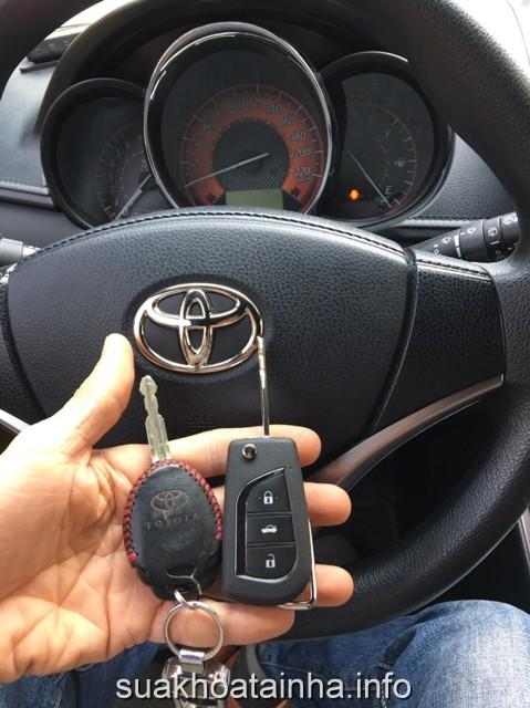 dịch vụ sửa khóa xe ô tô, mất khóa xe ô tô, khóa dự phòng, video hướng dẫn mở khóa không cần chìa, sửa khóa điện ô tô, chìa khóa ô tô, làm mới chìa khóa xe, hư chìa khóa ô tô, suakhoatainha.info, quên chìa khóa trong xe ô tô, sao lưu khóa điều khiển từ xa xe hơi, dịch vụ sửa khóa xe ô tô chuyên nghiệp