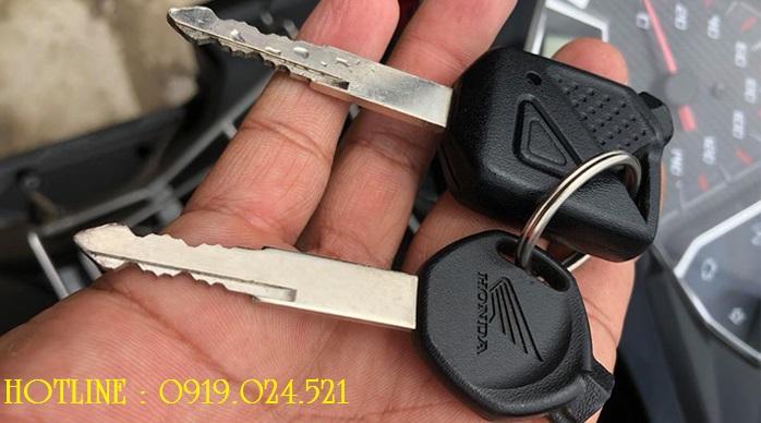 Làm chìa khóa xe máy, làm lại chìa khóa xe máy quận 12, làm lại chìa khóa xe máy, làm chìa khóa xe máy tại quận 12, Làm chìa khóa Smartkey, sửa khóa tại nhà, Dịch vụ sửa khóa tại nhà quận 12